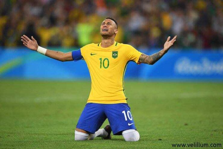 World Cup 2018 - Brazil vs Costa Rica - Neymar breaks down after win