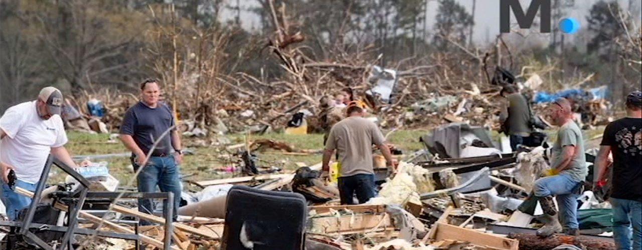Alabama family fled just minutes before flashing