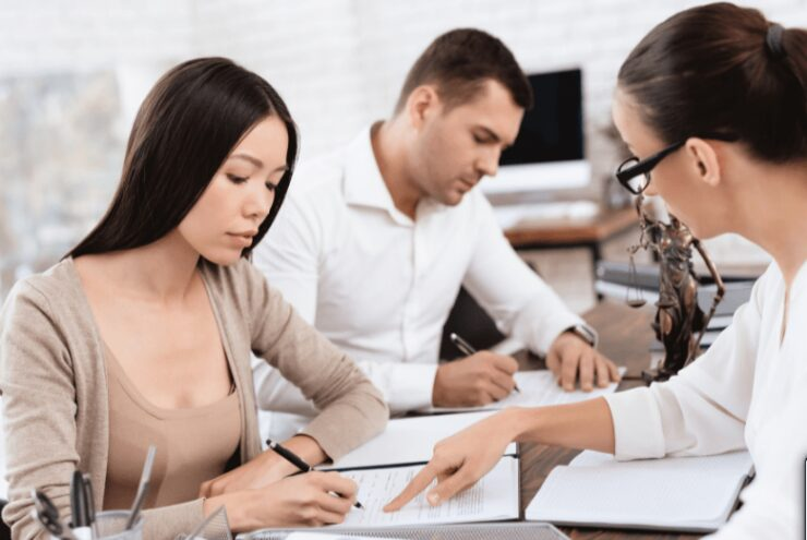 This Is How to Choose the Best Divorce Lawyer for You